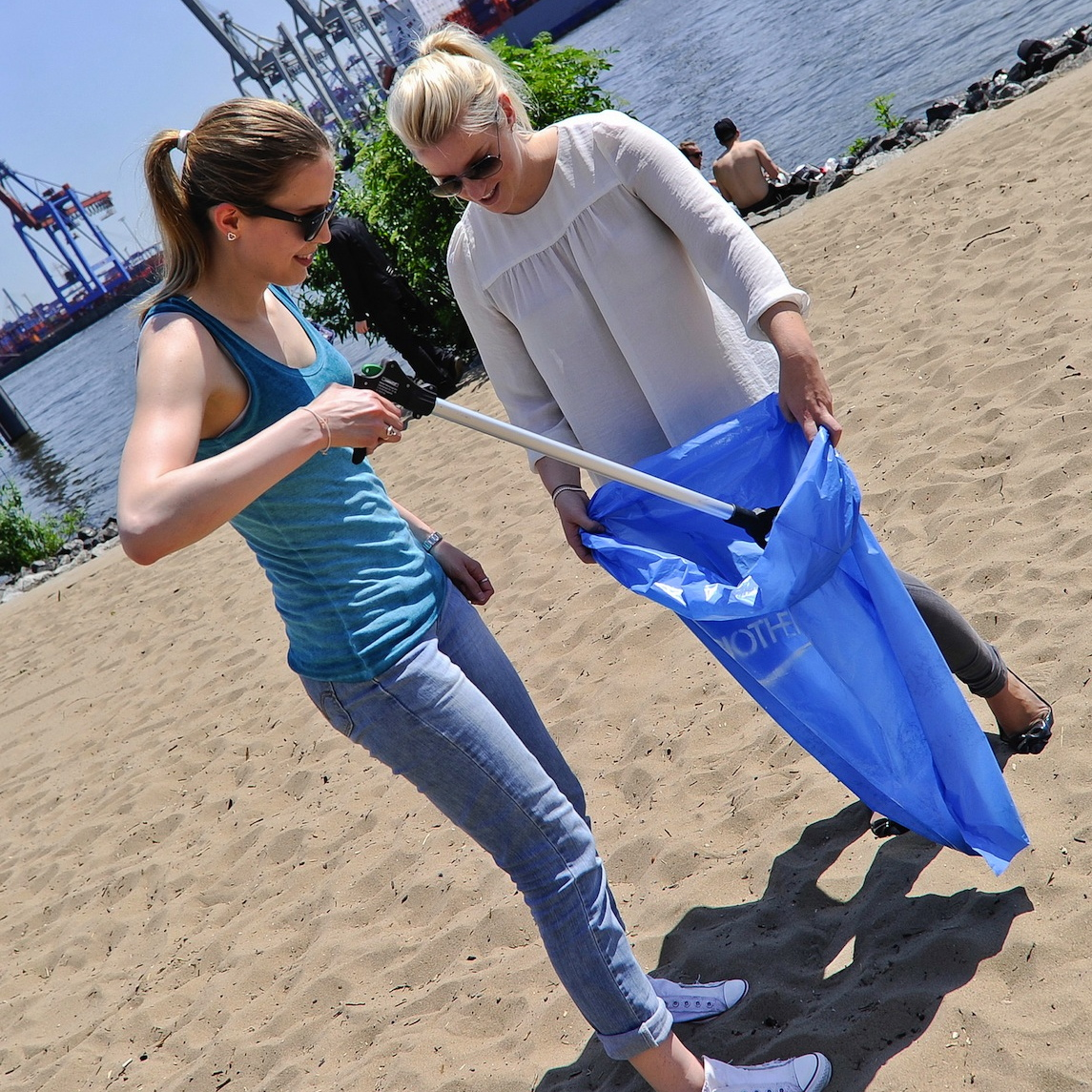 Biotherm-Beach-Clean-Up
