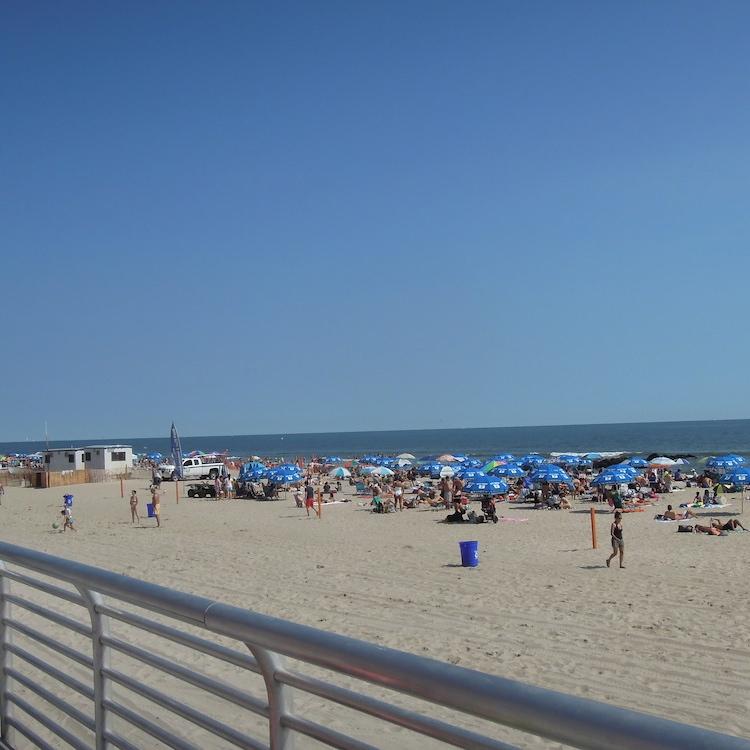 Strand_New_York_Long-Beach