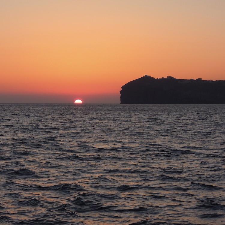 santorin-santorini-urlaub-tipps-tipp-vacation-sonnenuntergang-boot1