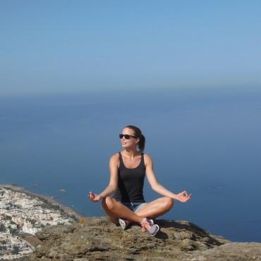 yoga-santorin-suelovesnyc