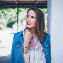 Outfit Folklore-Bluse