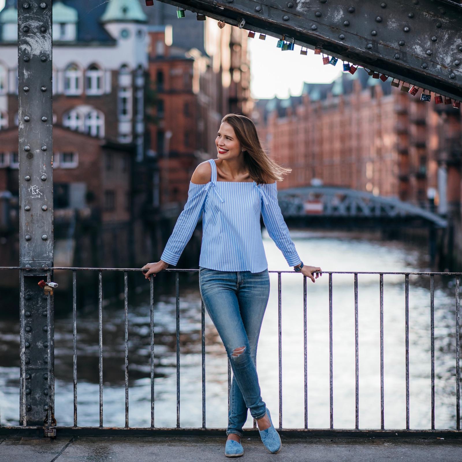 Sue loves NYC Hamburg Off-Shoulder Bluse