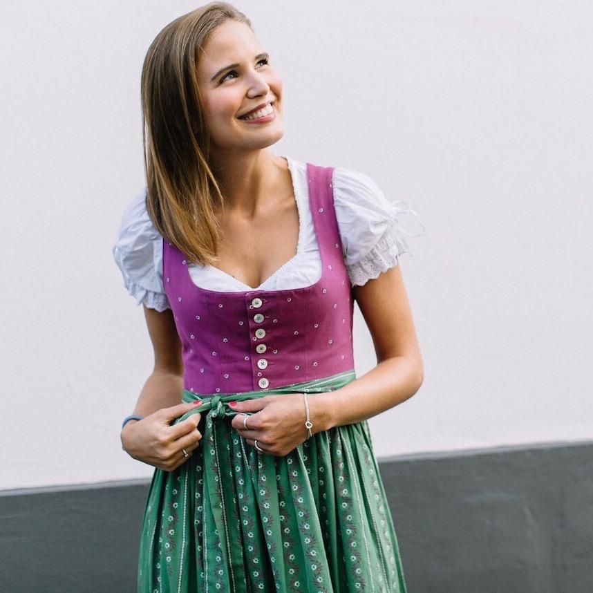 suelovesnyc Susan Fengler Oktoberfest Wiesn Dirndl