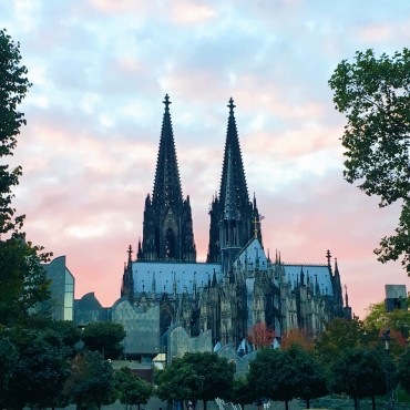 suelovesnyc weekly update dates beziehung sue loves nyc koeln dom cologne cathedral sunset