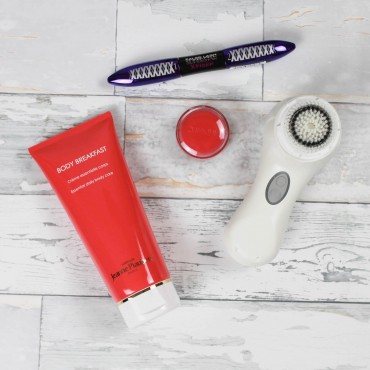 sue loves nyc beauty-favoriten suelovesnyc_sue_loves_nyc_beauty_blog_Blogger_beauty_favoriten_clarisonic_mia_2_clinique_sweet_pots_body_breakfast_loreal_paris_false_lash_superstar_x_fiber
