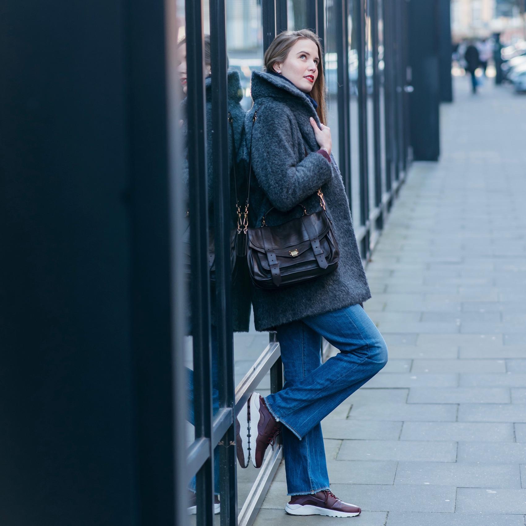 schlaghose und sneaker im winter kombinieren suelovesnyc_susan_fengler_hamburg_schlaghose_und_sneaker_im_winter_kombinieren_citizensofhumanity_Parker_jeans_nike