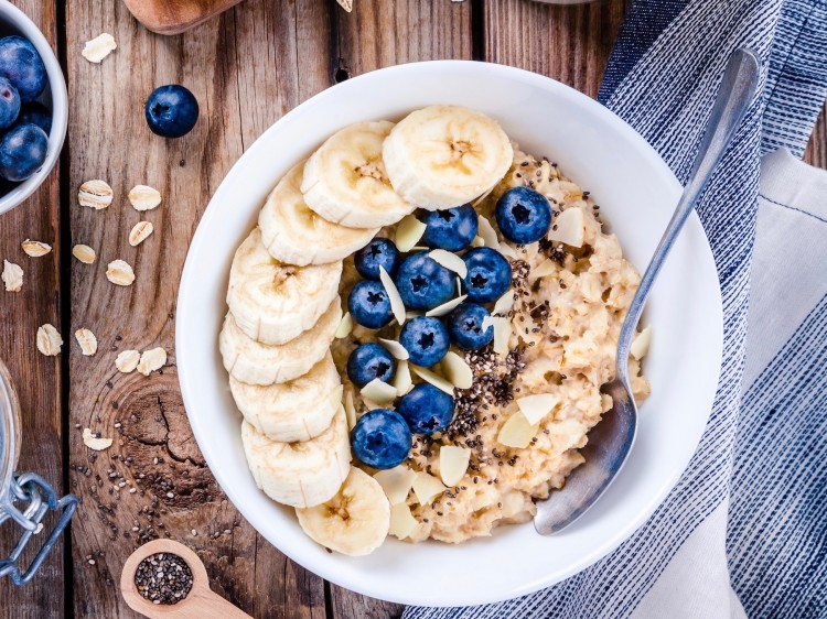 glutenfreier ernährungsplan suelovesnyc_blog_susan_fengler_hamburg_glutenfrei_ernahrungsplan_ernaehrungsplan_upfit_porridge_bananen