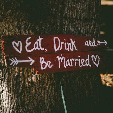 tipps für die hochzeitsplanung tipps_hochzeitsplanung_suelovesnyc_Susan_fengler_hochzeit_schild_wedding_sign