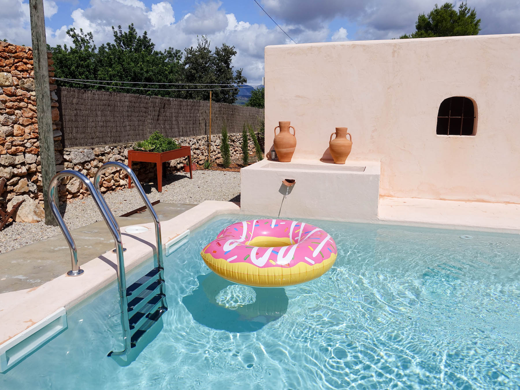 suelovesnyc_susan_fengler_airbnb_finca_mallorca_mieten_pool