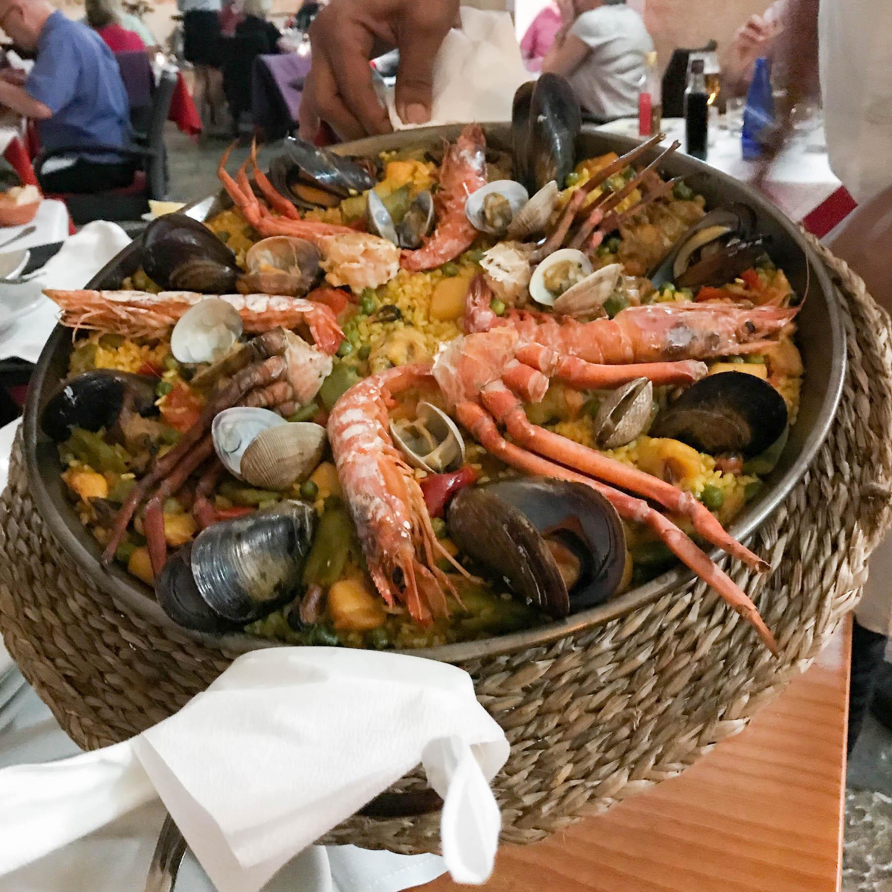 suelovesnyc_susan_fengler_travel_blog_reiseblog_mallorca_pollenca_pollensa_canolesa_paella_restaurant_pollenca