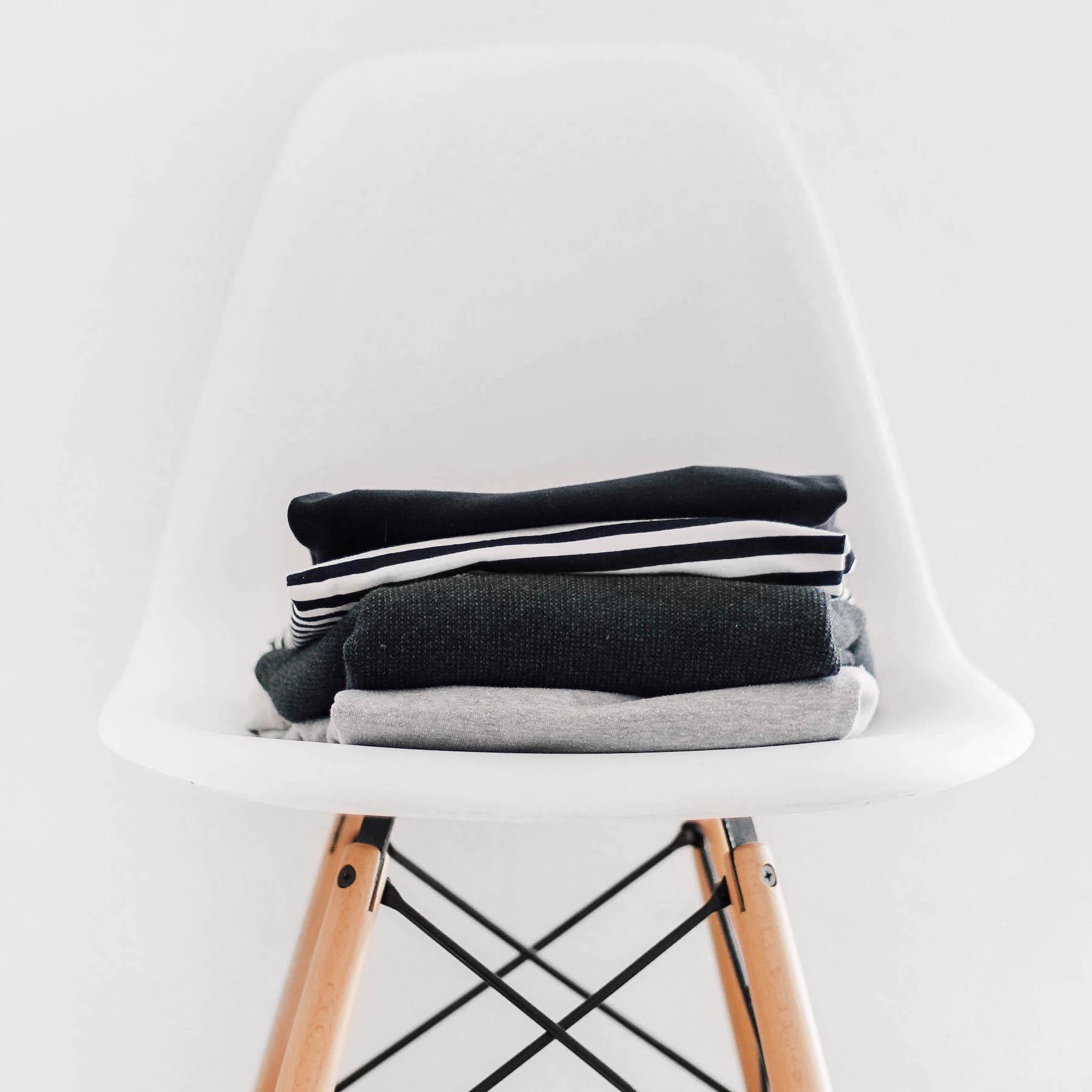 Suelovesnyc | Der Stuhl im Schlafzimmer (Ihr kennt ihn alle…)