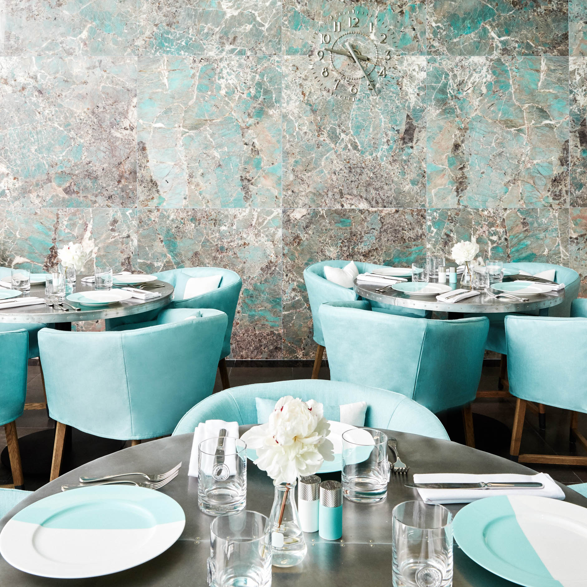 Tiffany's Café suelovesnyc_tiffanys_cafe_tiffany_cafe_the_blue_box_cafe_new_york