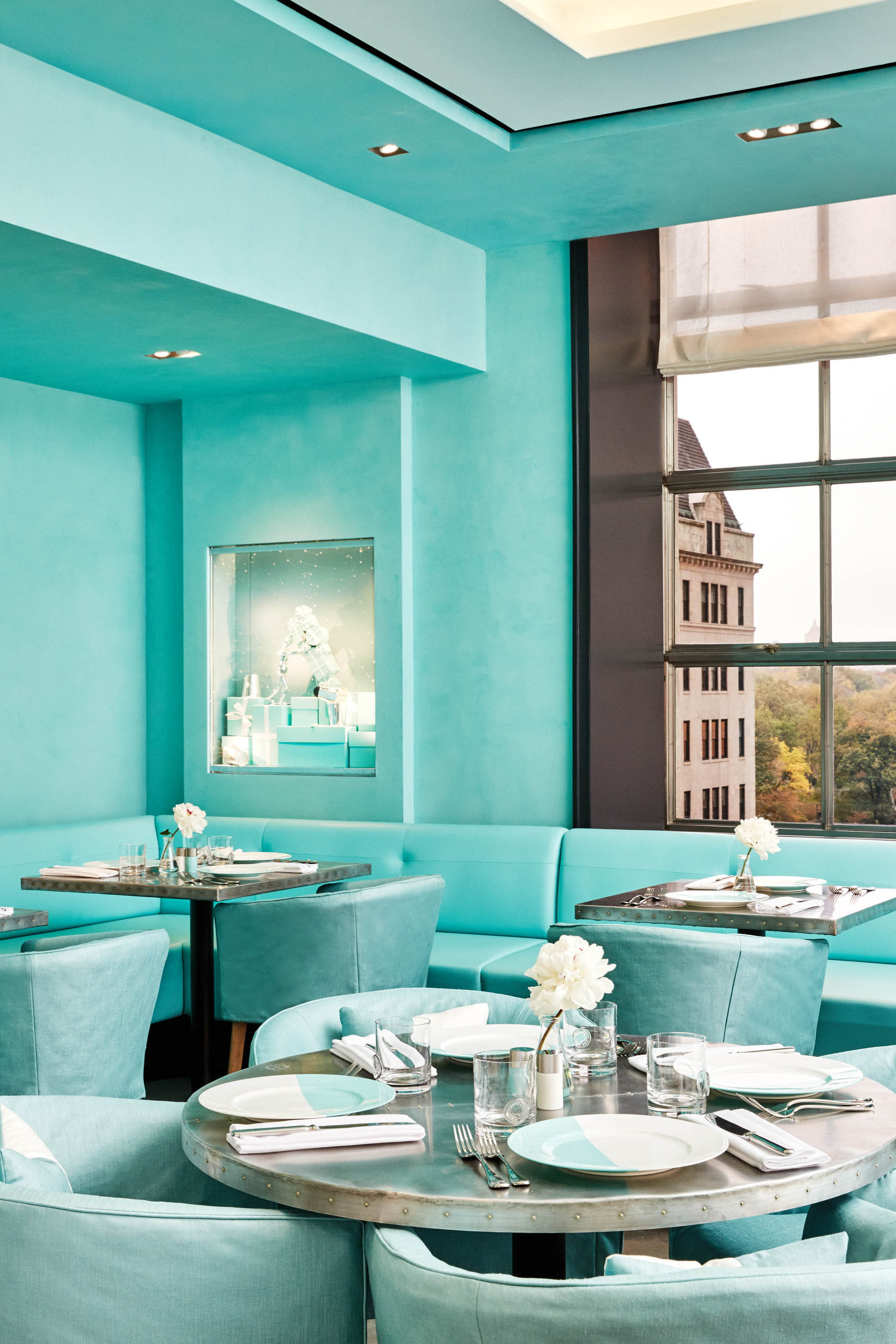 suelovesnyc_tiffanys_cafe_tiffany_cafe_the_blue_box_cafe_new_york_fifth_avenue