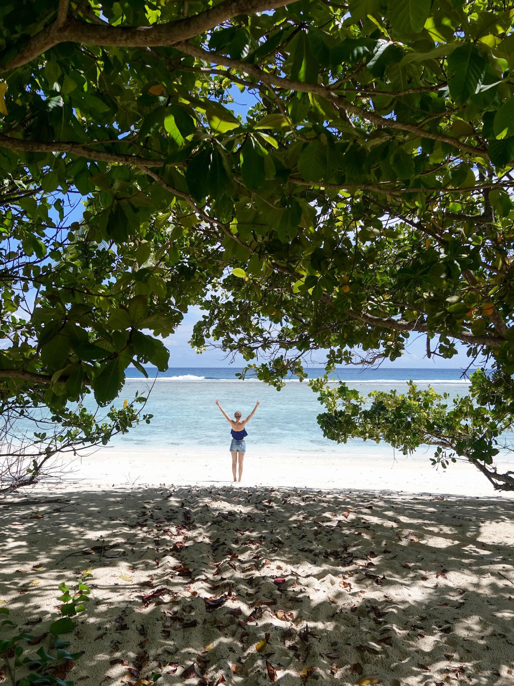 suelovesnyc_silhouette_island_seychelles