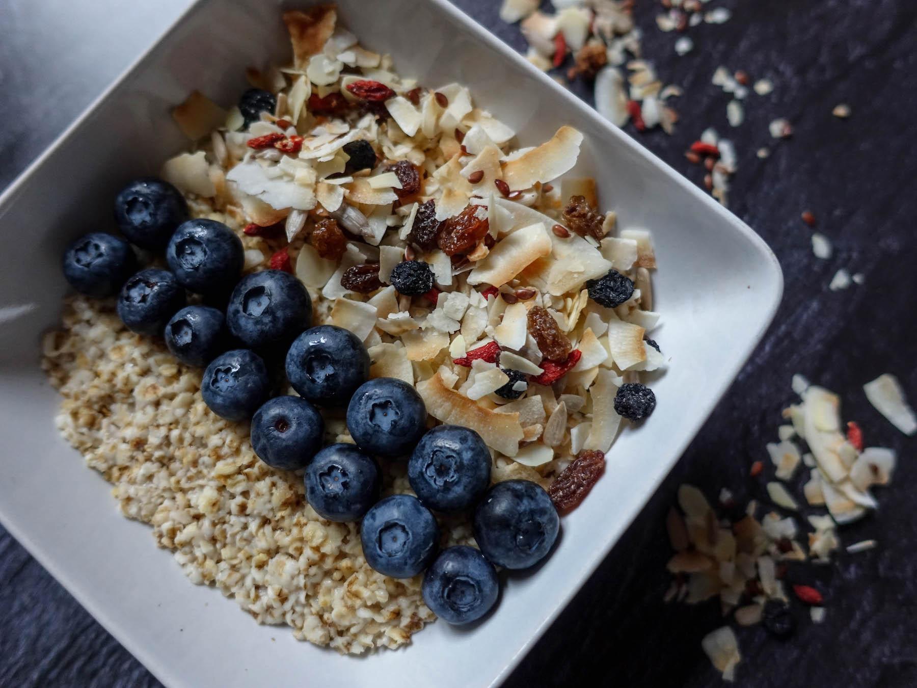 glutenfreies porridge suelovesnyc_susan_fengler_glutenfreies_porridge_glutenfrei_haferflocken