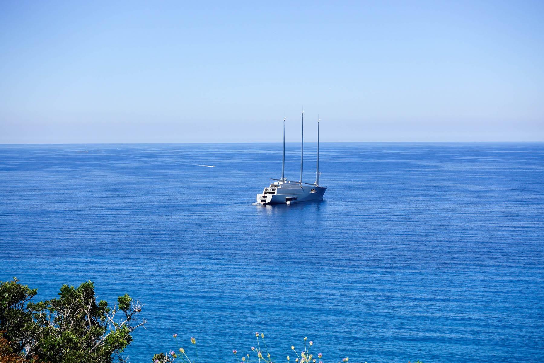 suelovesnyc_auszeit_blog_weekly_update_korsika_Segelboot_Segelschiff_Abramovic_grosstes_segelboot_der_welt