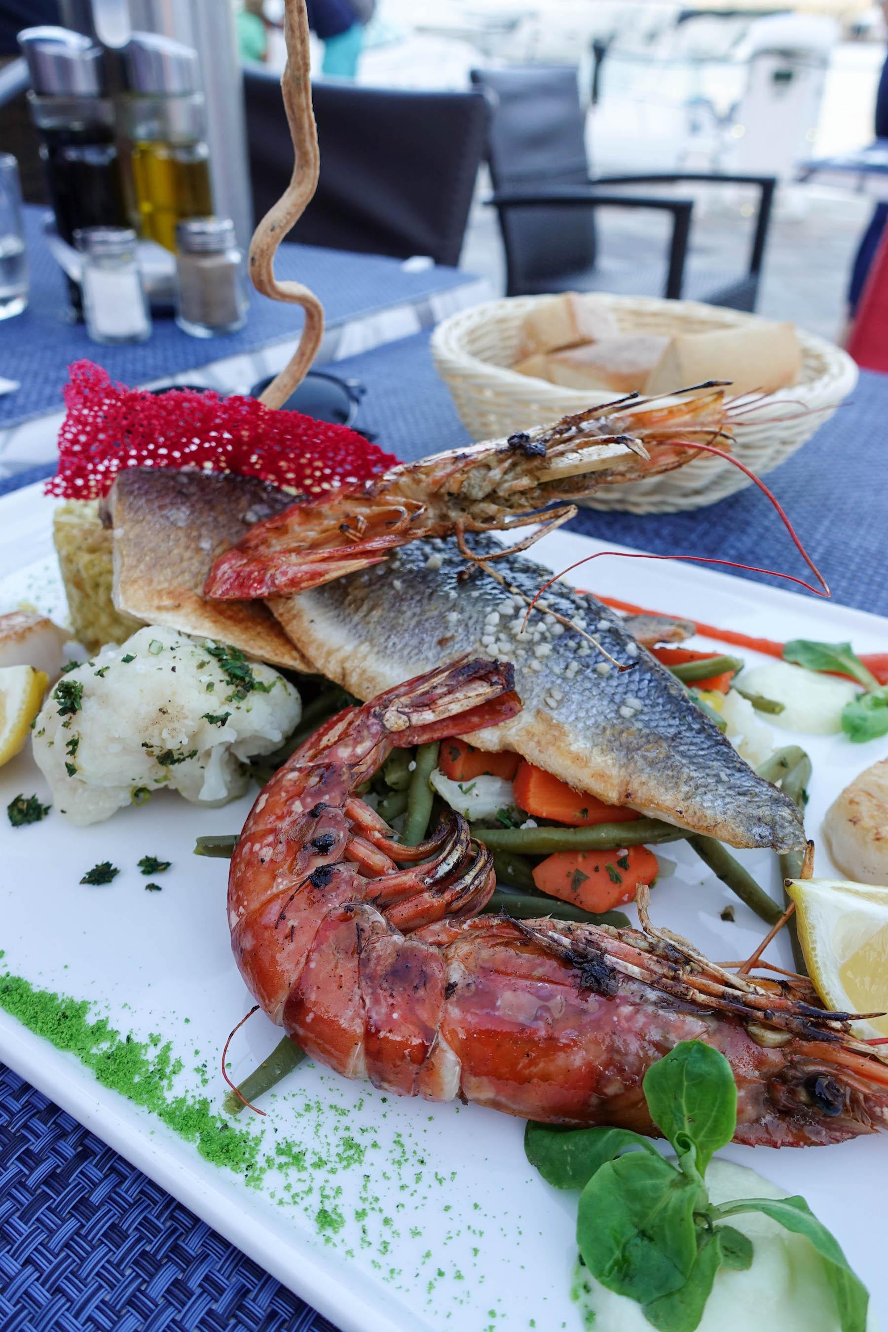 suelovesnyc_korsika_calvi_restaurant_la_transat