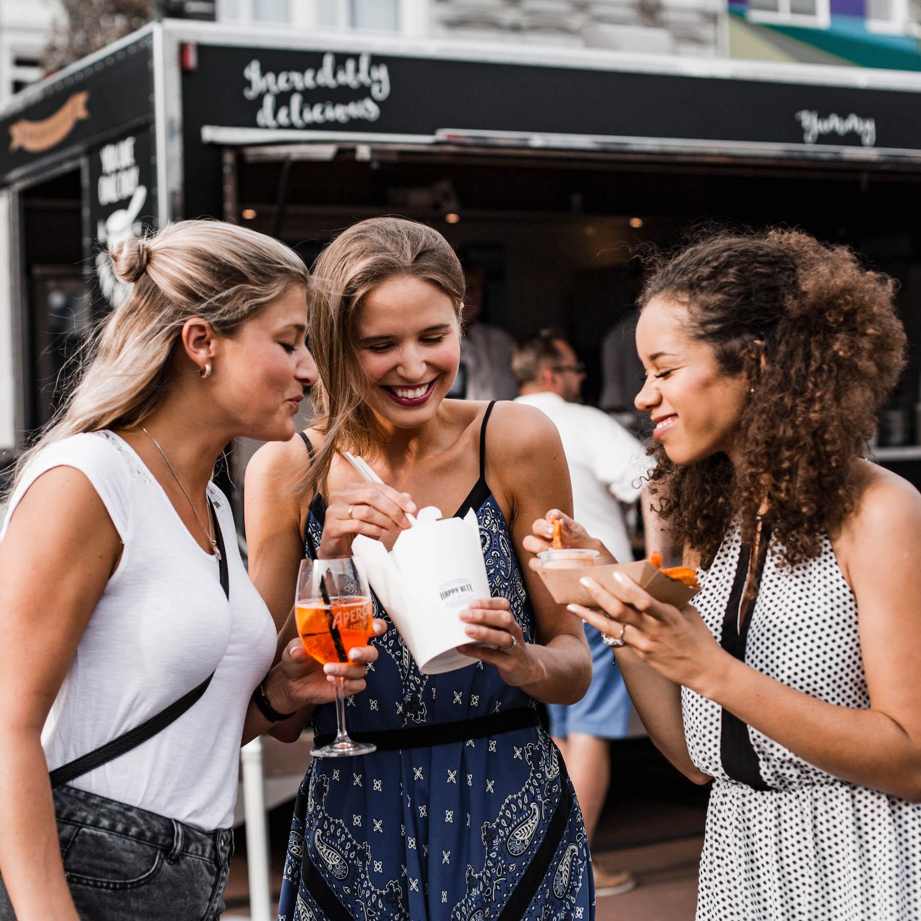 Food Truck Festival in Hamburg Suelovesnyc_Food_truck_festival_hamburg_paypal_app_foodtruck_hamburg_food_truck_session_spielbudenplatz