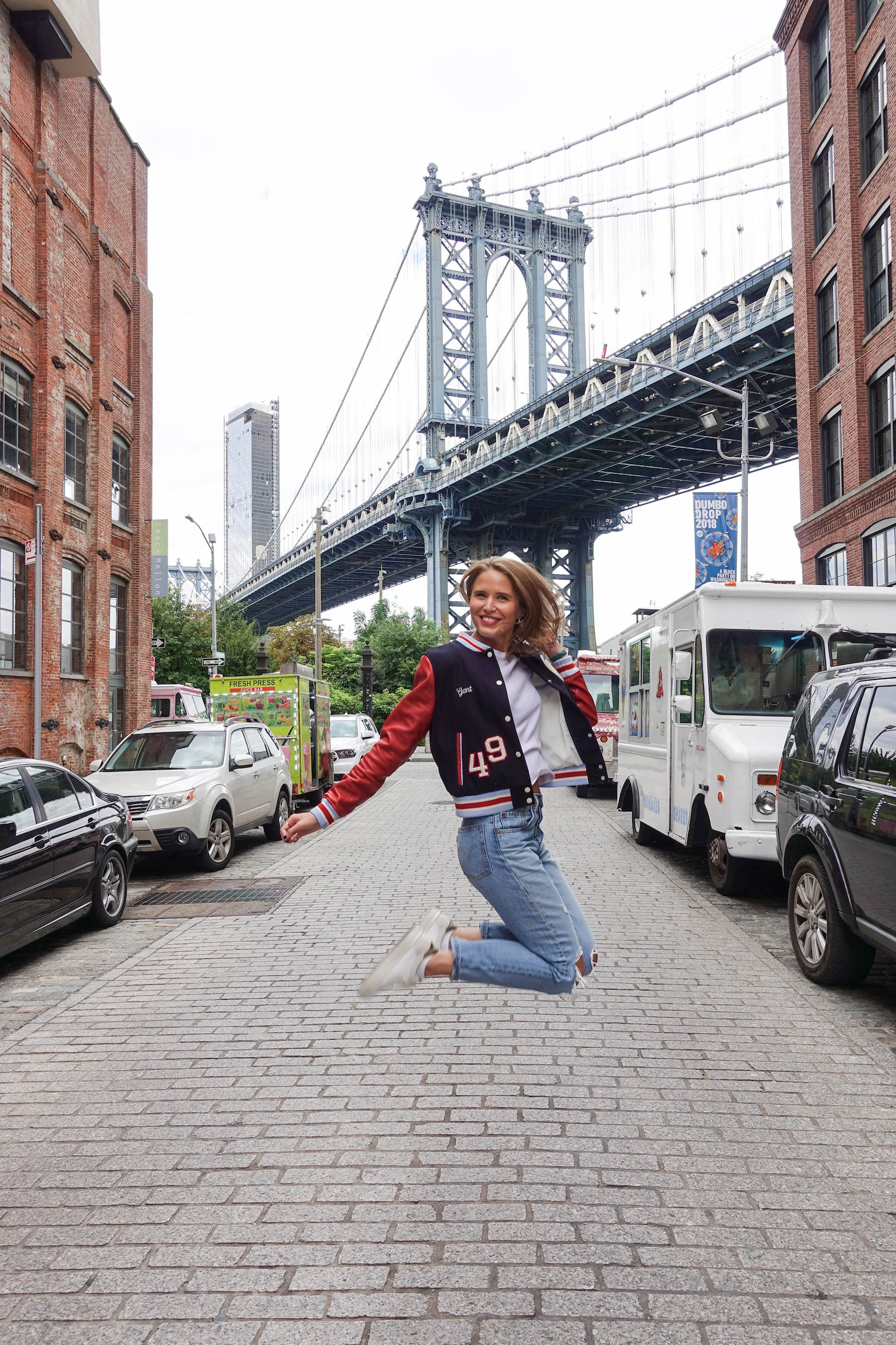 suelovesnyc_herbst_in_new_york_gant_letterman_jacket_dumbo