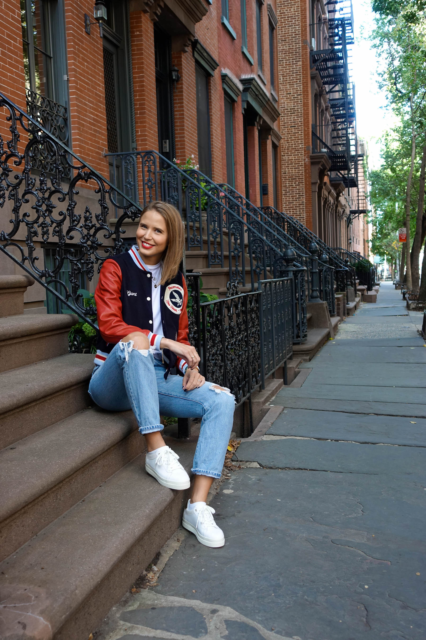 suelovesnyc_herbst_in_new_york_gant_letterman_jacket_greenwich_village