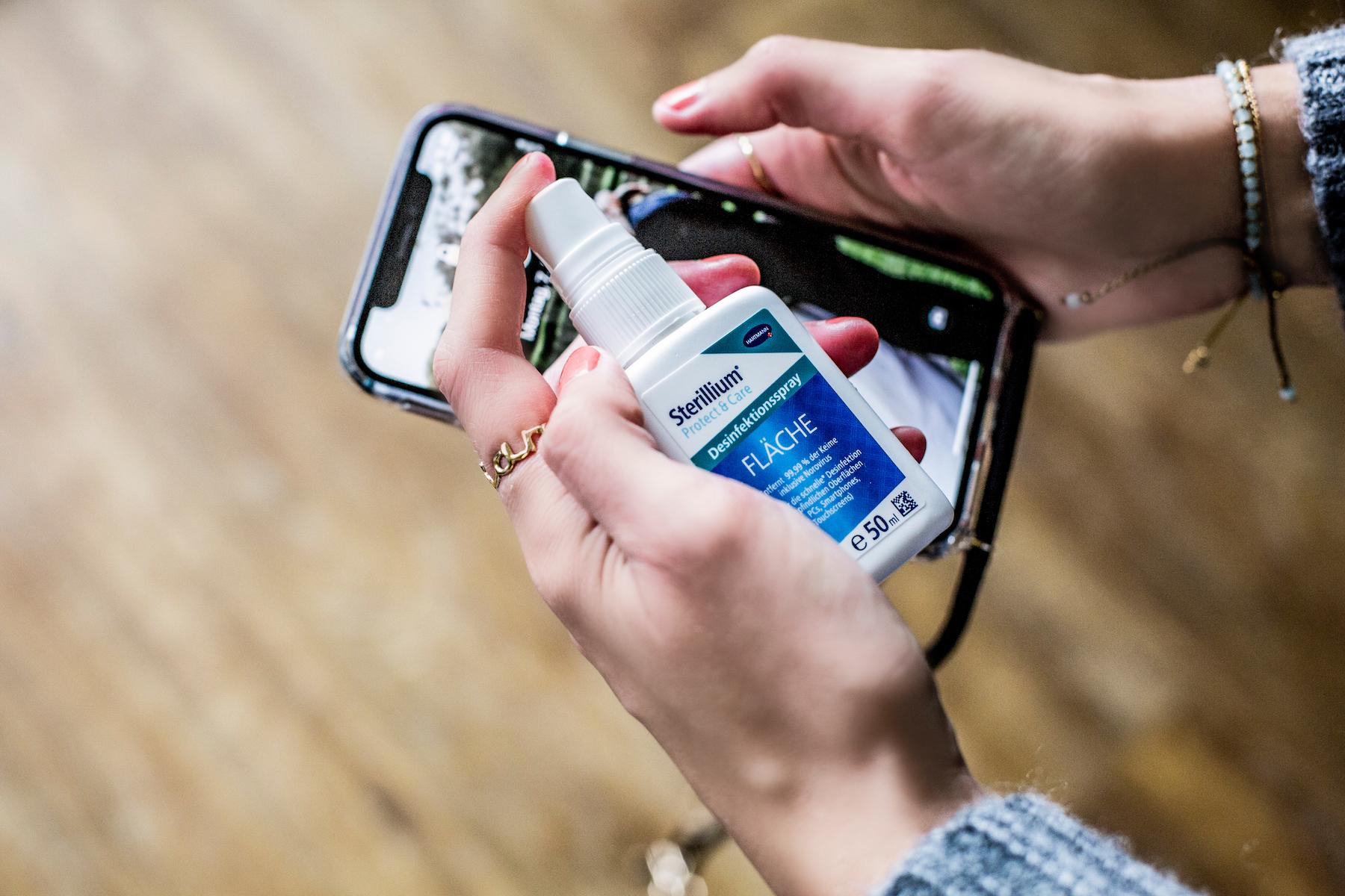 Suelovesnyc_Sterillium_protect_and_care_erkaltung_vorbeugen_handy_desinfizieren Handy desinfizieren