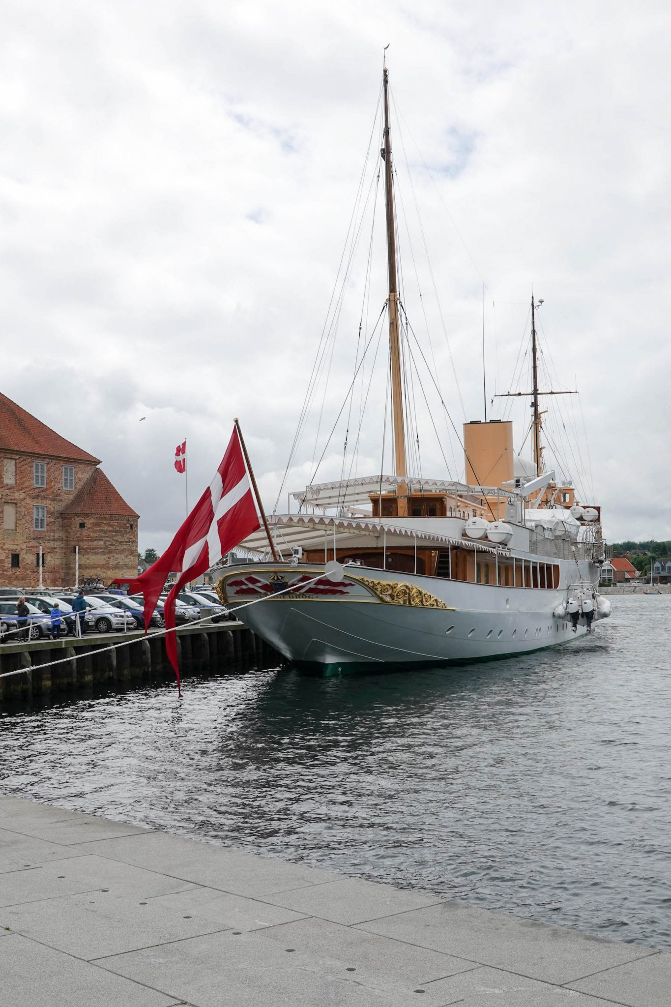 suelovesnyc_weekly_update_sonderborg_dannebrog