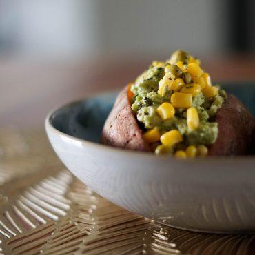 Gefüllte Süßkartoffel aus der Mikrowelle suelovesnyc-gefuellte-suesskartoffel-aus-der-mikrowlle-lunch-rezept-gefullte-susskartoffel-aus-der-mikrowelle