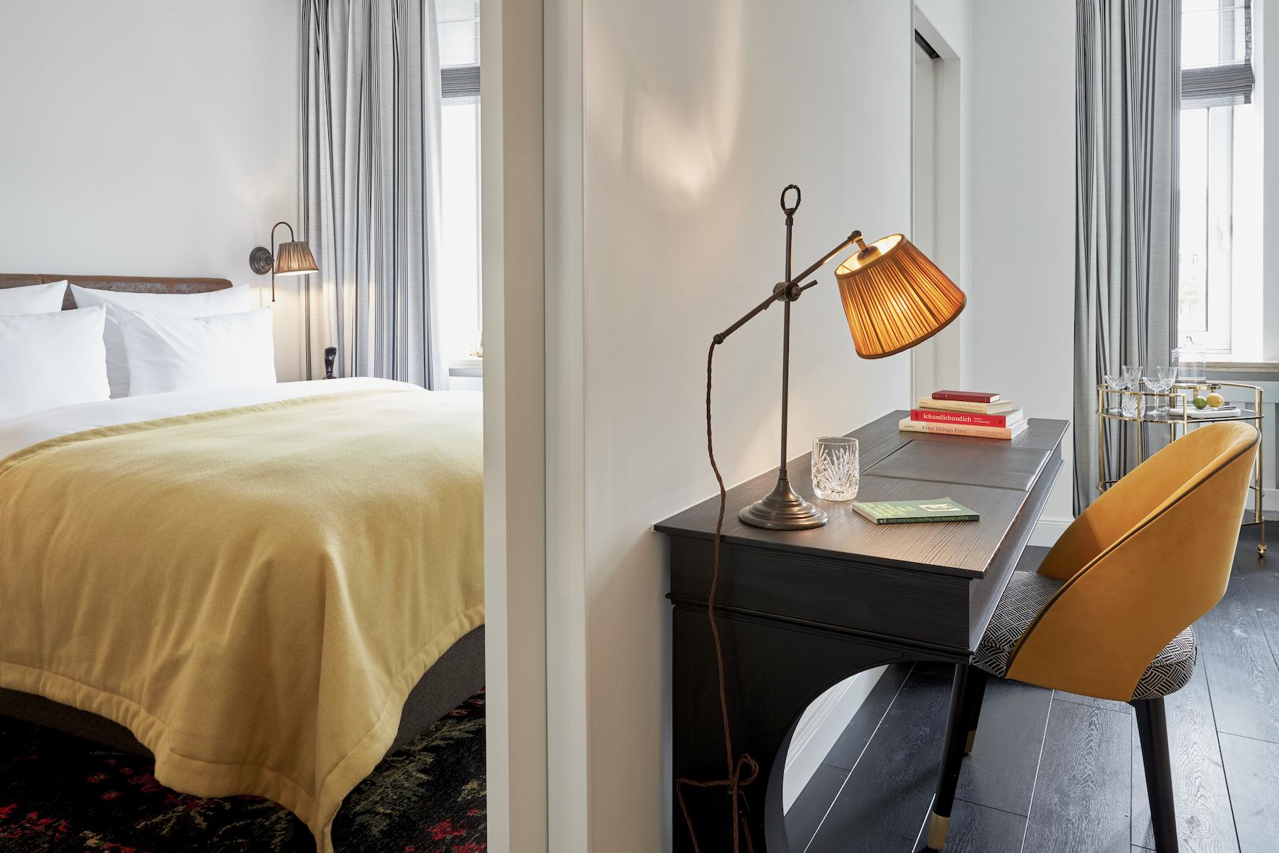 suelovesnyc_hamburg_hotel_guide_sir_nikolai_hotel_in_hamburg_zimmer