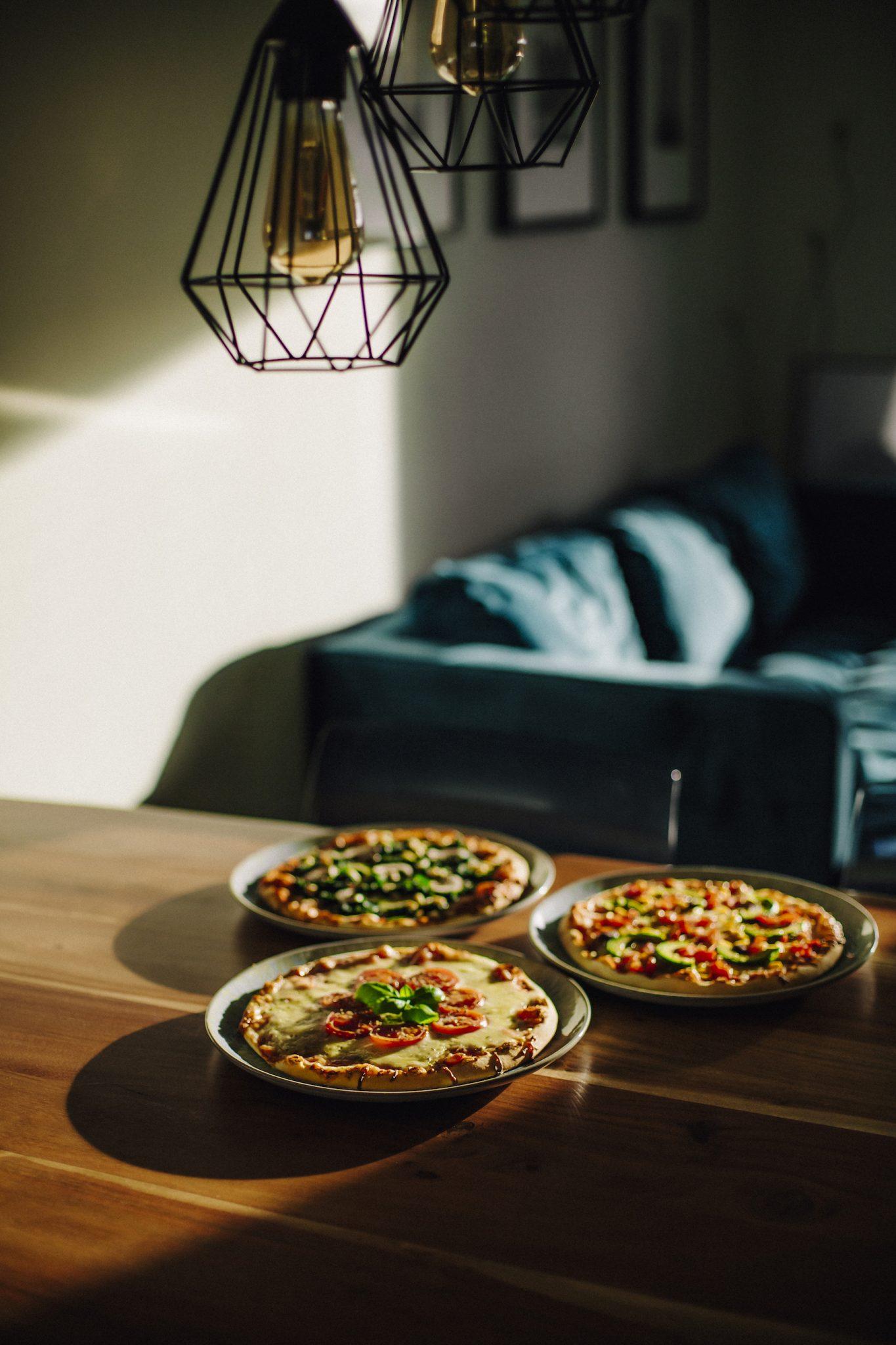 suelovesnyc_susan_fengler_glutenfreie_tiefkuhlpizza_verfeinern_glutenfreie_tiefkuehlpizza_verfeinern_pimp_my_pizza_relax_abend