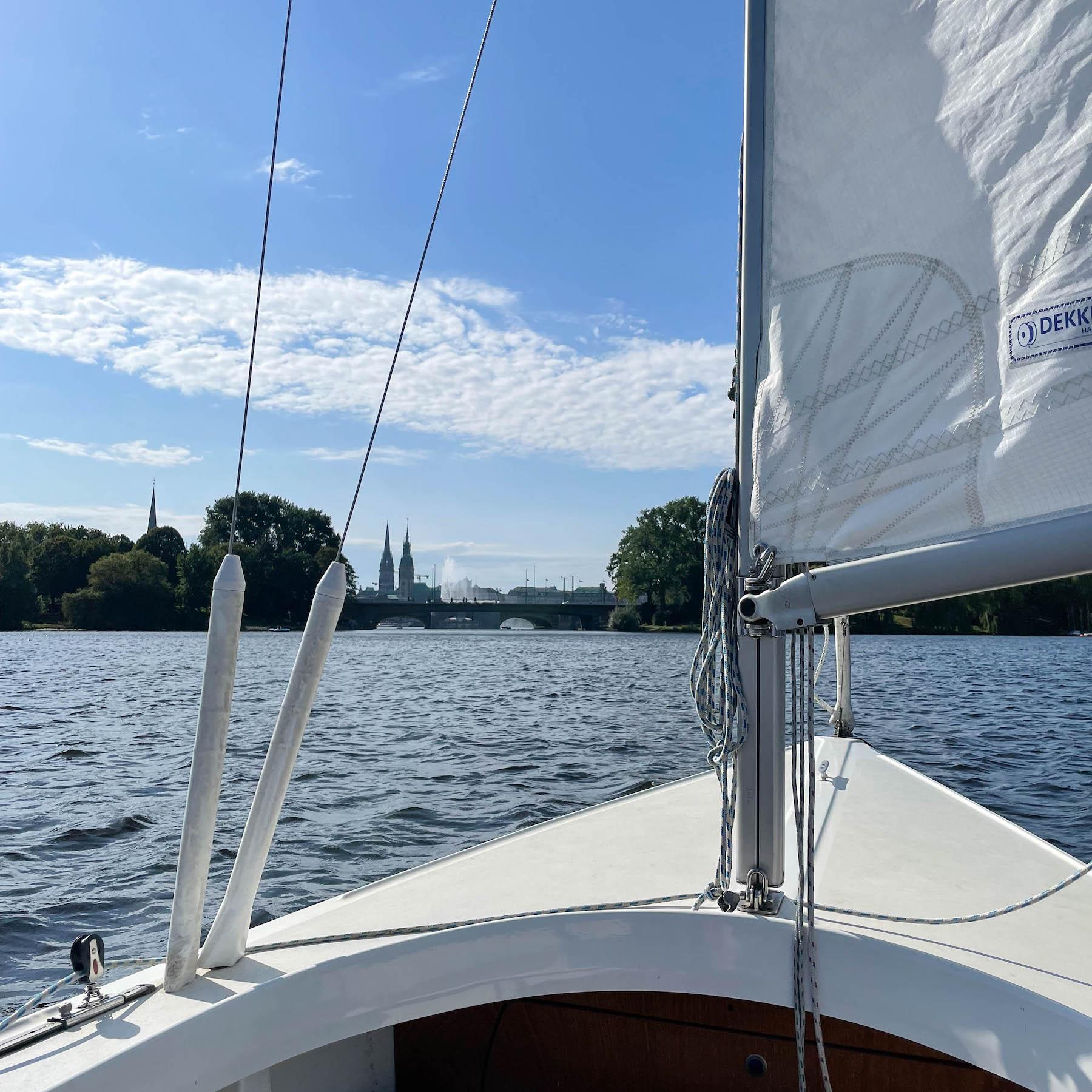 Segeln auf der Alster dieser eine Tag susan_fengler_segeln_alster_segeln_auf_der_alster_hamburg_suelovesnyc